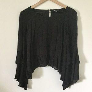 Solemio Cropped Ruffled Top